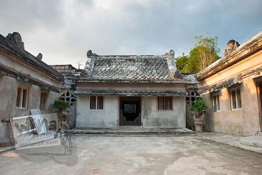foto halaman bangunan gedhong ledoksari di situs taman sari pada zaman dulu tahun 2008