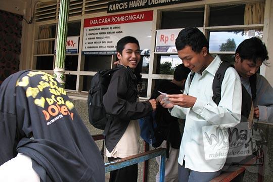 wujud bentuk loket tiket masuk kebun binatang gembiraloka pada zaman dulu di yogyakarta tahun 2006