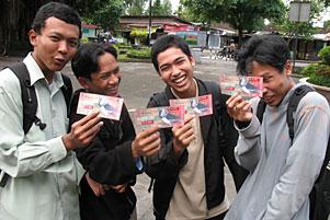 Jalan-Jalan Perdana ke Gembiraloka Sehabis Kuliah