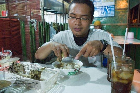 Harga dan Menu Coto Makassar Kotabaru Yogyakarta