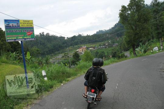 jalan berkelok di tawangmangu
