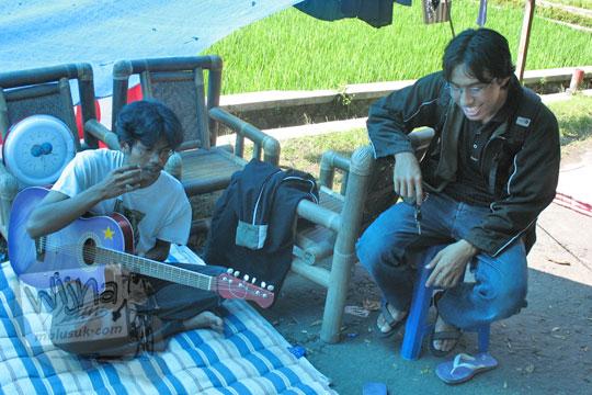 silaturahmi korban gempa 2006 di prambanan klaten jawa tengah