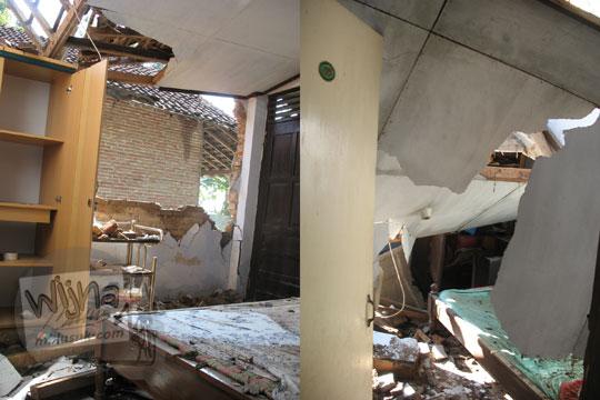 dinding rumah rusak di desa kebondalem kidul ketika gempa 2006