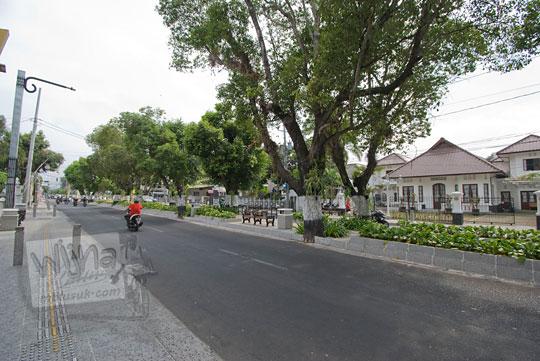 mataram boulevard atau jalan suroto di kawasan kotabaru jogja pada masa kini