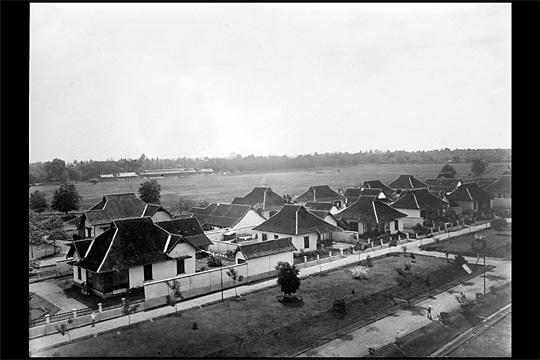 kompleks perumahan dinas pegawai balai yasa pengok yogyakarta pada tahun 1925
