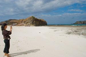 Pesona Sungai, Pantai, dan Laut di Lombok