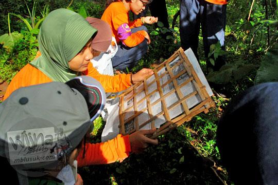 metode pengawetan vegetasi pada kegiatan NAMES yang diselenggarakan oleh MATALABIOGAMA UGM di Gua Kiskendo