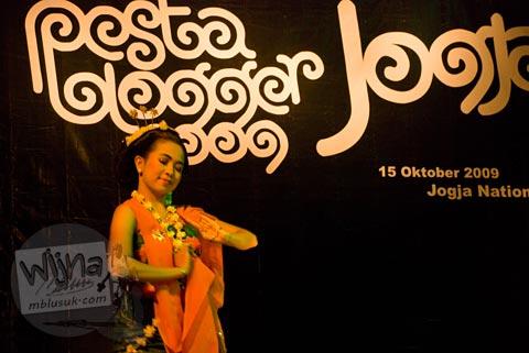 penari tari gambyong di acara Pesta Blogger 2009 Yogyakarta