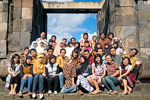 Foto Angkatan Math 2005 di Keraton Ratu Boko