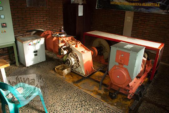 Mesin PLTA Mikrohidro yang ada di kawasan Air Terjun Suhom (Seuhom) di Krueng Kala, Lhoong, Aceh Besar