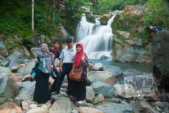 wisata keluarga Aceh ke Air Terjun Suhom (Seuhom) di Krueng Kala, Lhoong, Aceh Besar