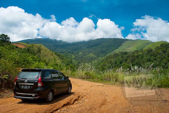 tarif sewa mobil wisata Aceh menuju air terjun Kuta Malaka, Aceh Besar pada zaman dulu september 2014
