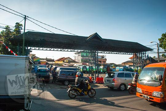 Suasana terminal ledeng tempat berkumpulnya angkot menuju curug Bugbrug pada zaman dulu Agustus 2014
