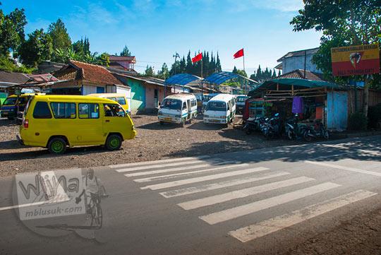 suasana Terminal parongpong menunggu angkot ke arah curug Cimahi dan curug Bugbrug pada zaman dulu Agustus 2014