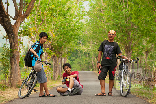 cerita tiga pesepeda jogja mencari batu meteorit di Goa Cerme, Imogiri, Bantul