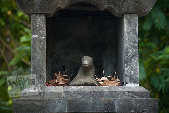 arca nandi kecil yang ada di situs petilasan ki ageng mangir wonoboyo