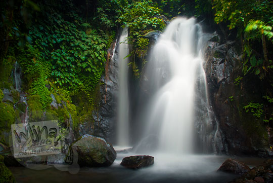 Keindahan Air Terjun Dua Cabang di dalam kawasan obyek wisata Suban Air Panas di kota Curup kabupaten Rejang Lebong, Bengkulu
