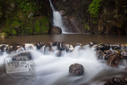 Pemandangan indah di Air Terjun dua Tingkat di kawasan Suban Air Panas di kota Curup kabupaten Rejang Lebong, Bengkulu