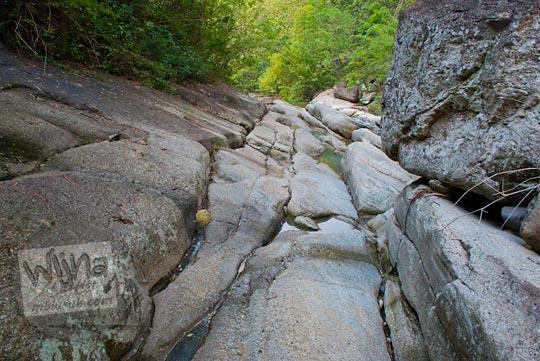 jalur lahar purba di sekitar sungai dekat Curug Nglarangan, Gedangsari, Gunungkidul