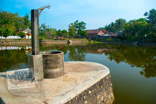 Sumur untuk memudahkan warga mengambil air dari Telaga Gandu yang ada di Kecamatan Panggang, Gunungkidul pada zaman dulu Juni 2014