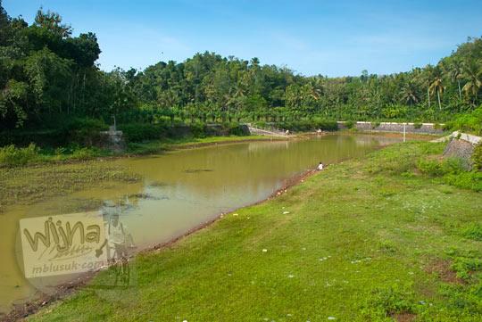 Wujud penampakan Telaga Dendengwelut yang ada di Kecamatan Panggang, Gunungkidul pada zaman dulu Juni 2014