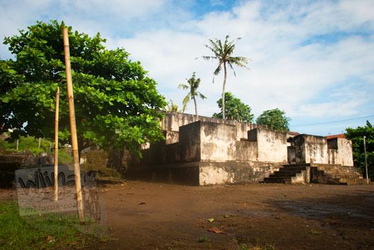foto area tanah kosong bekas lokasi taman buah di pesanggrahan warungboto peninggalan sultan hamengkubuwono ii di yogyakarta pada zaman dulu maret 2012