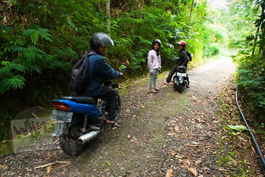 rute naik sepeda motor ke air terjun Grojogan Sewu, Kulon Progo, Yogyakarta