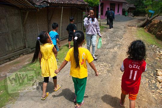 Bareng anak-anak menuju Grojogan Sewu, Kulon Progo, Yogyakarta