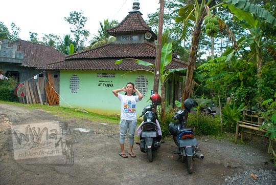 parkir kendaraan pengunjung Grojogan Sewu, Kulon Progo, Yogyakarta