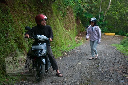 Sampai Juga di Grojogan Sewu, Kulon Progo, Yogyakarta oleh Andri Andreas Priyanto dan Dani Iswahyuni