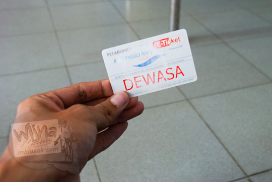 Bentuk wujud fisik e-ticket yang dipergunakan saat naik ferry dari Pelabuhan Merak, Banten pada zaman dulu Maret 2015