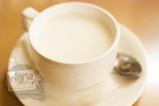 Daftar Harga Menu Es Krim Restoran Tip-Top Medan