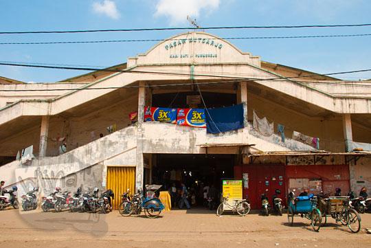 Naik angkot ke air terjun tersembunyi Purworejo dari Pasar Kutoarjo