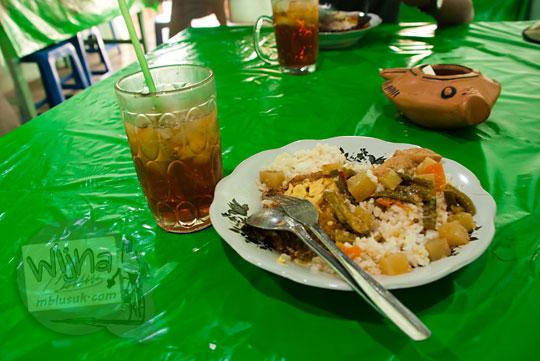 Makanan desa murah meriah di Pasar Kutoarjo, Purworejo