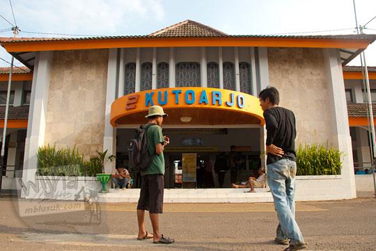 Stasiun Kutoarjo, Jawa Tengah di sore hari