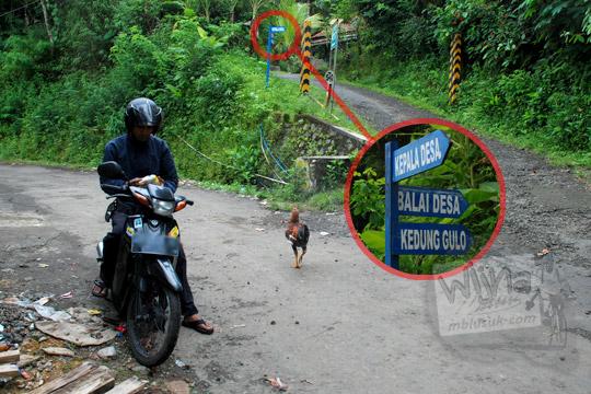 Papan petunjuk arah ke Kedung Gulo di Desa Kalitapas, Kecamatan Bener, Kabupaten Purworejo, Jawa Tengah