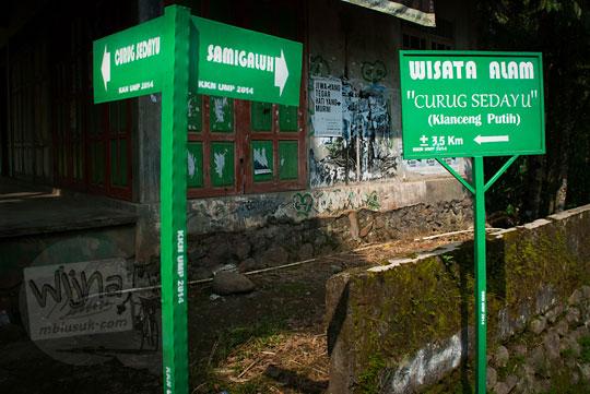 Papan petunjuk arah ke Curug Sedayu (Klanceng Putih) di Purworejo, Jawa Tengah