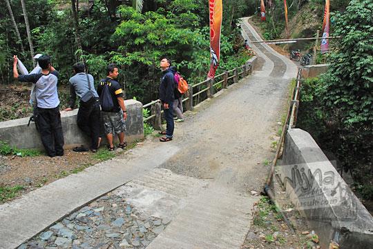 Jembatan Dusun Kedungrante yang merupakan lokasi sungai eksotis yang dikelola menjadi objek wisata Taman Wisata Kedung Sidandang