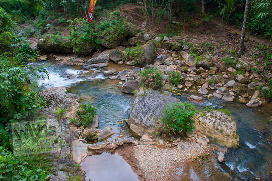 Eksotisme Sungai di Kedungrante, Kaligono, Purworejo. Ada kedung dan air terjun di satu lokasi.