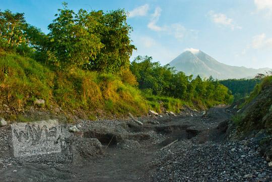 foto lembah kali gendol yang merupakan jalur lahar dingin merapi pada zaman dulu september 2013