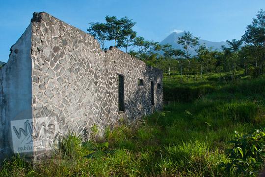 foto rumah dusun petung terbengkalai karena erupsi merapi pada zaman dulu september 2013