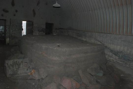 foto isi dalam bunker kaliadem penuh lahar dingin merapi pada zaman dulu september 2013
