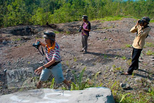 foto pengalaman memotret gunung merapi naik jeep wisata pada zaman dulu september 2013