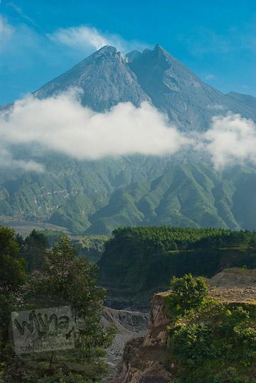foto gunung merapi lembah lahar dingin kali gendol pada zaman dulu september 2013