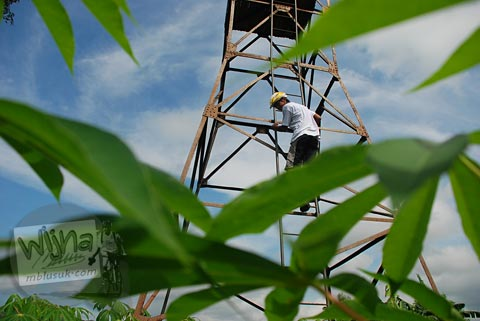 Memanjat menara intai di Paliyan, Gunungkidul