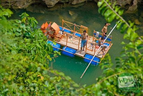 Tarif sewa perahu di air terjun Sri Gethuk, Gunungkidul tahun 2010