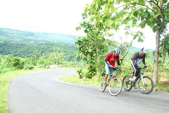 balapan sepeda nanjak di tanjakan Siluk arah ke Panggang, Gunungkidul