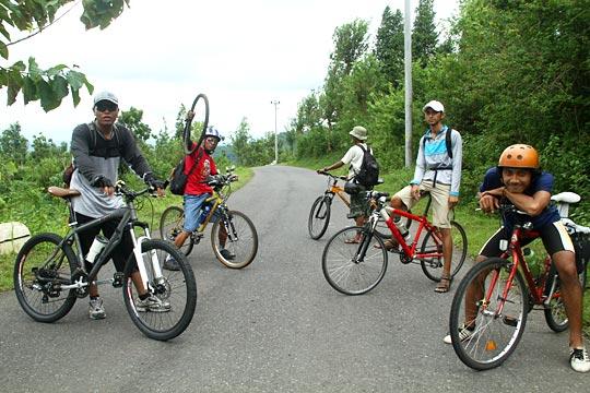 rute bersepeda ke Pantai Gesing di Panggang, Gunungkidul, Yogyakarta