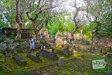 Makam Gunung Kelir Pleret Kyai Panjang Mas Ratu Mas Malang Amangkurat I