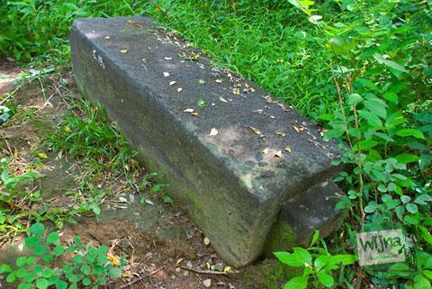 Makam Gunung Kelir Pleret Kyai Panjang Mas Ratu Mas Malang Amangkurat I Kotak Wayang Dalang Batu